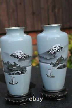 Lovely pair of Japanese cloisonne vases 30 cm attributed to Ando Jubei
