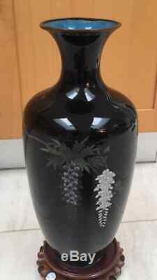 Massive Meiji period Japanese cloisonne vase