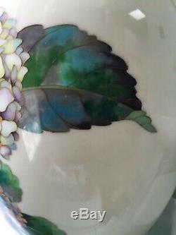 Vintage Japanese cloisonné vase, very large with beautiful hydrangea design